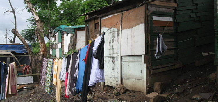 Informal_settlement_where_people_now_have_community_ablution_blocks_(8152040443)